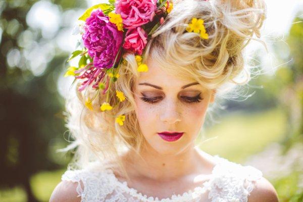 Flowers Hair Bride http://jamesmelia.com/