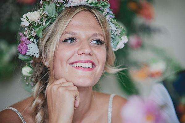 Floral Headdress Bride http://www.blissfulwedding.co.uk/