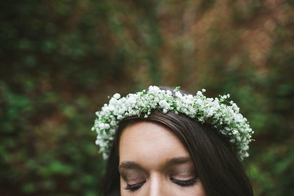 Flower Circlet Bride http://www.kellyginnphotography.com/