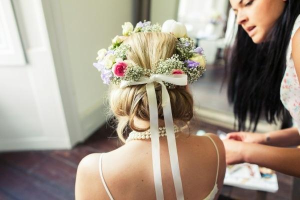 Flower Crown Bride http://www.lovestruckphoto.co.uk/