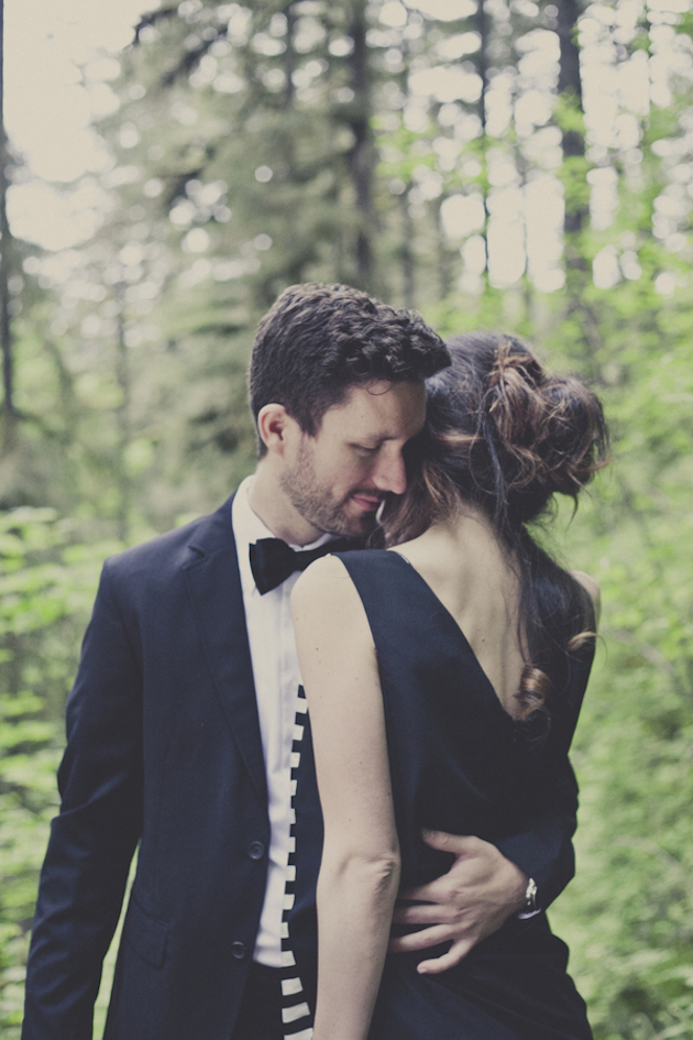 Romantic Woodland Engagement Shoot | Terra Rothman Photography | Bridal Musings Wedding Blog 20