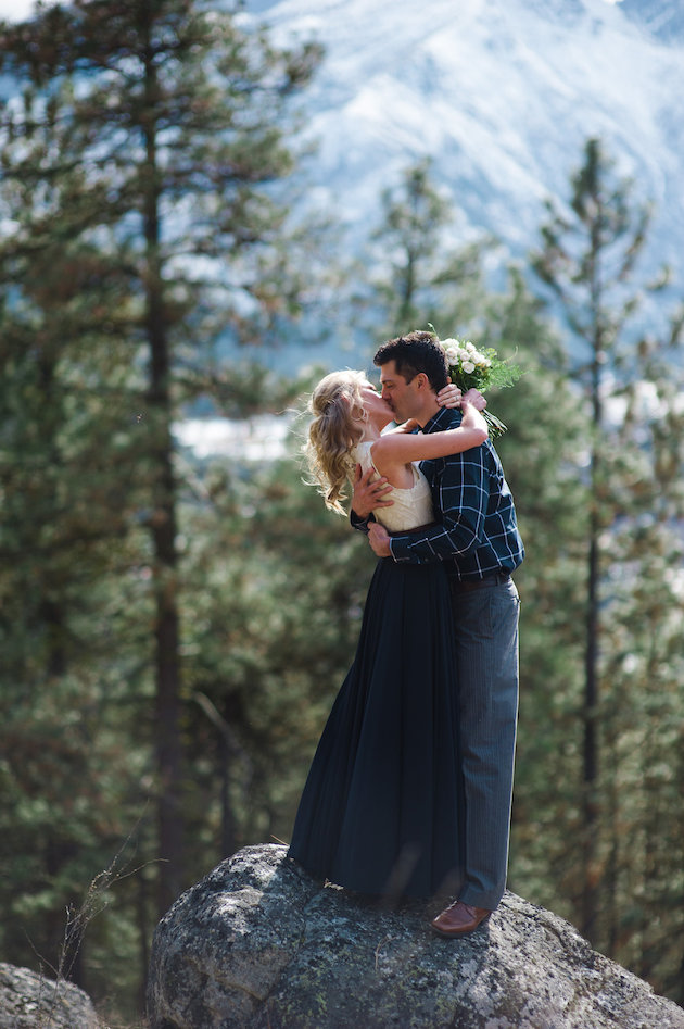 Stunning Mountainside Elopement | Tonie Christine Photography | Bridal Musings Wedding Blog27