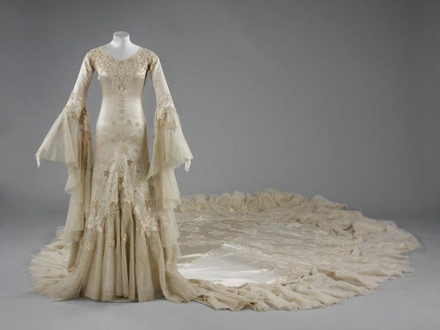 V&A Wedding Dress Exhibition | Bridal Musings Wedding Blog 6