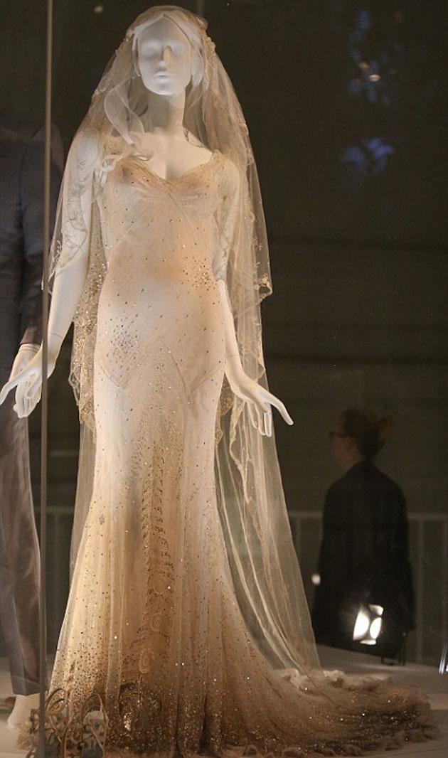 V&A Wedding Dress Exhibition | Bridal Musings Wedding Blog 9