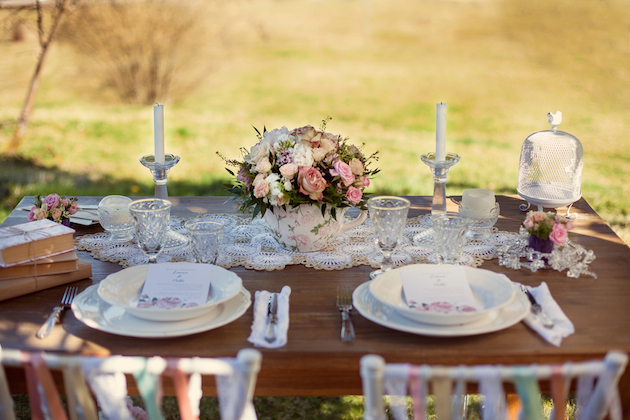 Vintage Spring Wedding Inspiration | Luca Studios | Bridal Musings Wedding Blog 12
