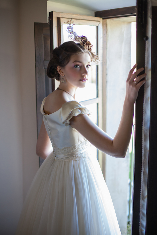 Vintage Spring Wedding Inspiration   Luca Studios   Bridal Musings Wedding Blog 13