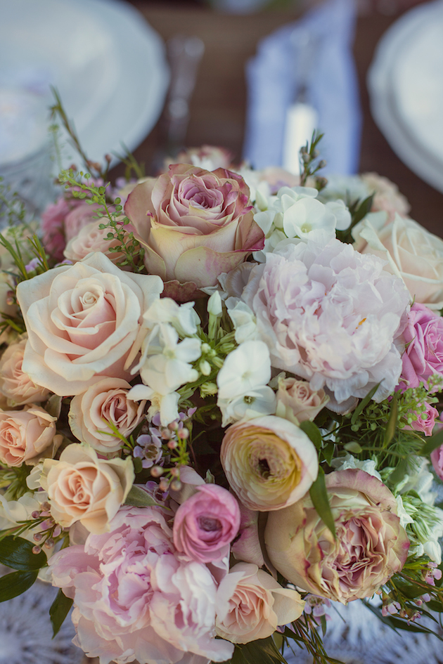 Vintage Spring Wedding Inspiration | Luca Studios | Bridal Musings Wedding Blog 15