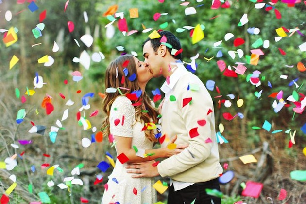 The top 10 fun & fabulous wedding confetti ideas! - Confetti Engagement Photos