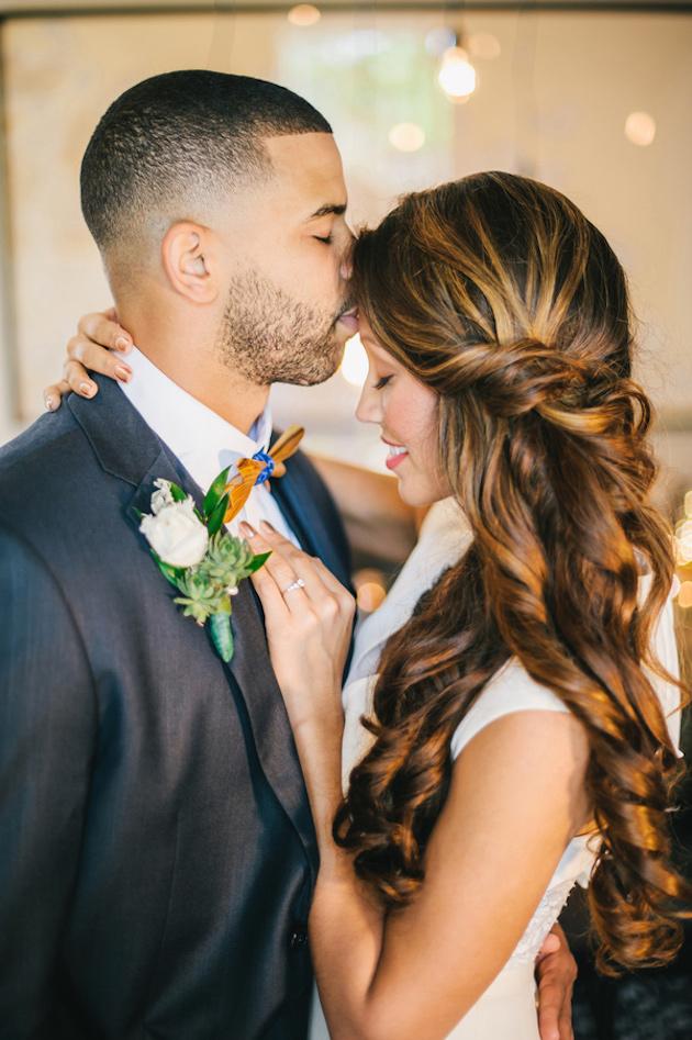 Ruffled - photo by http://angelhe.com/ - http://ruffledblog.com/tampa-modern-wedding-ideas/