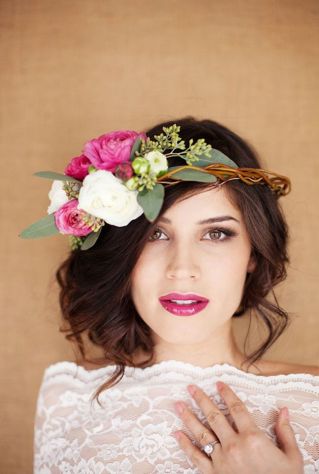 15 ideas for Fresh Flower Wedding Hair | Bridal Musings Wedding Blog 4