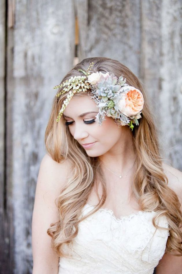 15 ideas for Fresh Flower Wedding Hair | Bridal Musings Wedding Blog 8