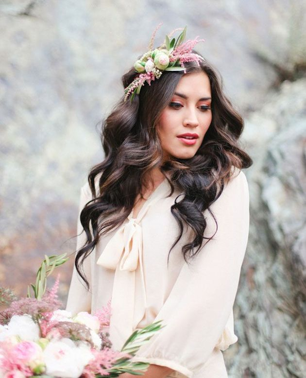 15 ideas for Fresh Flower Wedding Hair | Bridal Musings Wedding Blog 9
