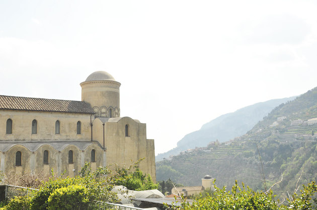 Chic Amalfi Wedding Inspiration | Sarah Love Photography | Bridal Musings Wedding Blog 15